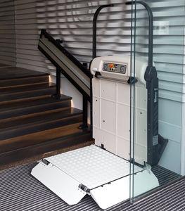 plateforme monte-escalier pour personnes à mobilité réduite