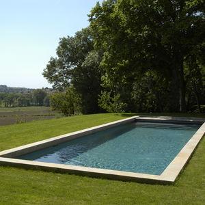 margelle de piscine en pierre naturelle