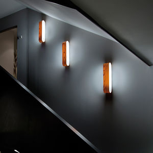 applique murale contemporaine / en bois / fluorescente / linéaire