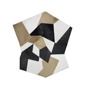tapis contemporain / à motif géométrique / en cuir / carré
