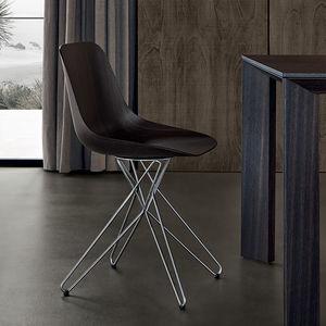 chaise contemporaine / en bois massif / en métal