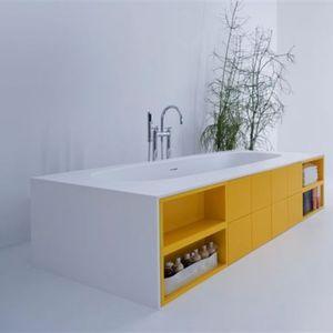 baignoire avec rangement intégré