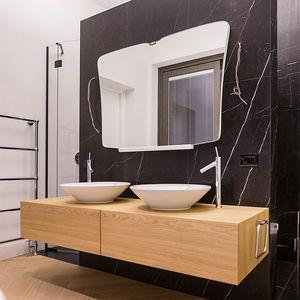 meuble vasque double / suspendu / à poser / en chêne
