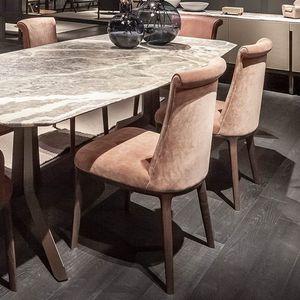 chaise classique / tapissée / avec accoudoirs / en tissu