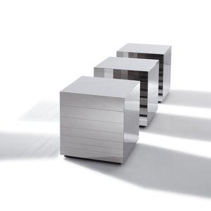 table basse contemporaine / en acier poli / en cube / carrée