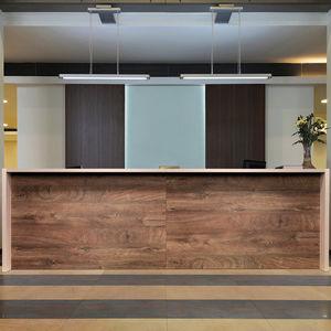banque d'accueil en bois / pour hôtel