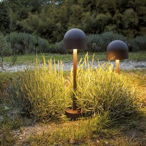 borne d'éclairage de jardin / contemporaine / en polycarbonate / en aluminium peint