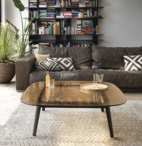 table basse contemporaine / en bois massif / en chêne naturel / en verre trempé