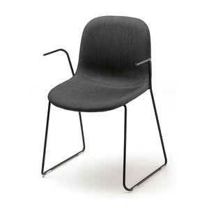 chaise visiteur design scandinave / avec accoudoirs / tapissée / luge