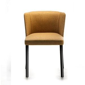 chaise contemporaine / tapissée / en acier peint / contract