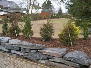 bordure de jardin / en pierre naturelle / autres formes