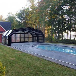 abri de piscine rétractable