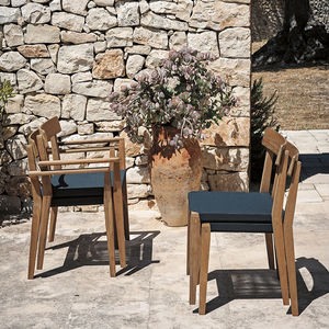 chaise contemporaine / tapissée / empilable / en tissu