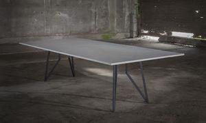 table à manger contemporaine / en acier / en céramique / en béton