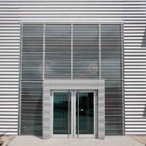brise-soleil aggloméré / pour façade / vertical