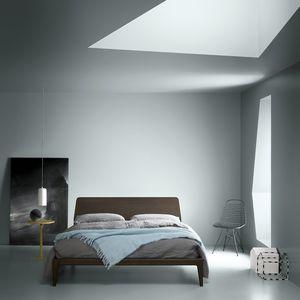 lit double / contemporain / avec tête de lit / en bois laqué