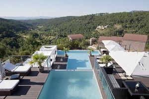 piscine enterrée / en béton / pour hôtel / couloir de nage