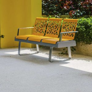 sièges sur poutre en acier