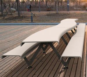 ensemble table et bancs design original
