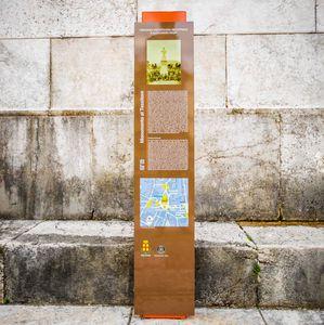 totem signalétique / pour espace public