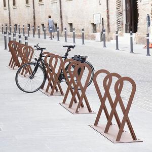 range-vélo en acier galvanisé / design original / pour espace public