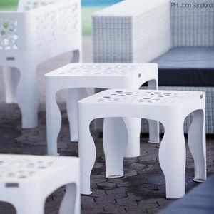 table d'appoint contemporaine / en acier galvanisé / carrée / d'extérieur