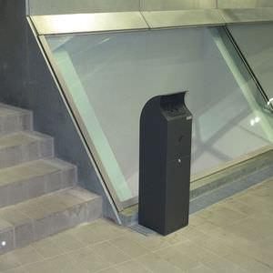 cendrier sur pied / en acier galvanisé / pour extérieur / pour espace public