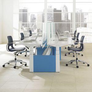 fauteuil de bureau contemporain / en plastique / aluminium / pivotant