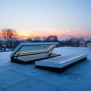 trappe d'accès au toit / rectangulaire / en aluminium / vitrée