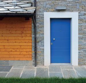 porte d'extérieur / battante / en bois / de sécurité