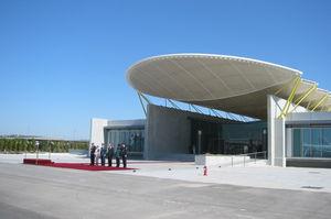 structure tendue câble-membrane / pour couverture / avec membrane en ETFE / pour aéroport