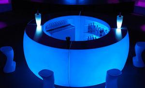 bar de jardin lumineux