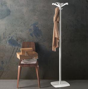 porte-manteau sur pied / contemporain / en acier à revêtement par poudre / en plastique
