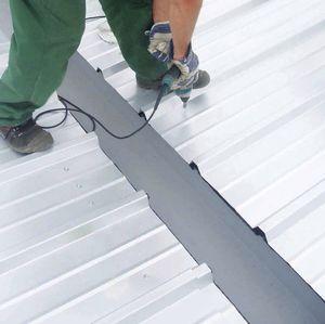 système de toiture en métal / modulaire / de profilé métallique / avec panneau isolant