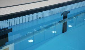 fond mobile pour piscine publique