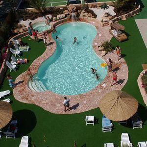 piscine en panneaux / enterrée / en acier / d'extérieur