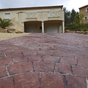revêtement de sol en béton / à haute résistance / pour l'extérieur / décoratif