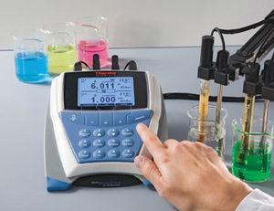 analyseur d'eau multiparamètres / pH / ORP