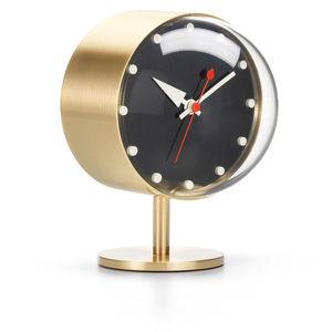 horloges contemporaines / analogiques / de table / en laiton