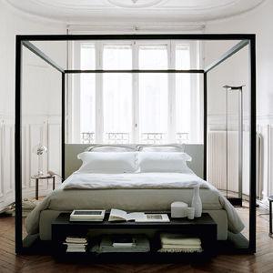 lit à baldaquin