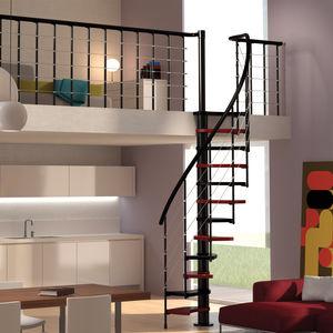 escalier en colimaçon / structure en acier / marche en bois / sans contremarche