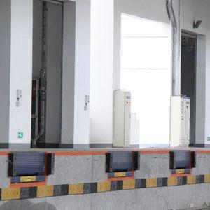 rampe d'accès en acier galvanisé / pour passage de seuil