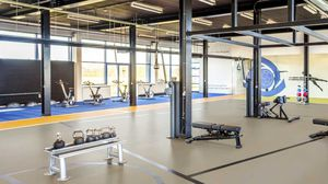 sol sportif en linoléum / d'intérieur / pour salle multisport