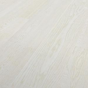 sol stratifié à lames larges en chêne