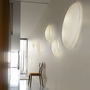 applique murale contemporaine / en papier / fluocompacte / ovale