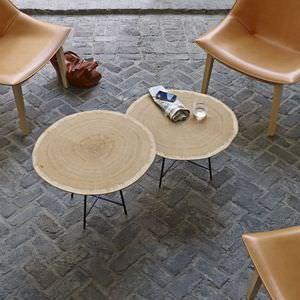 table d'appoint contemporaine / en chêne / en MDF / en acier laqué