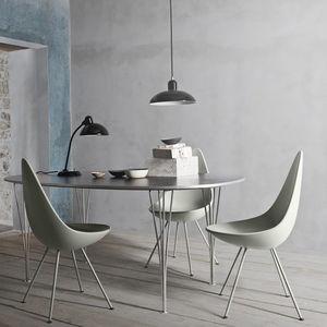 chaise design scandinave / tapissée / en tissu / en cuir