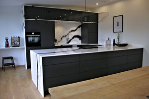 cuisine contemporaine / en marbre / en pierre naturelle / en inox