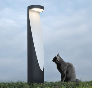 borne d'éclairage de jardin / contemporaine / en aluminium / en fonte d'aluminium