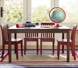 table de jeu pour enfant classique